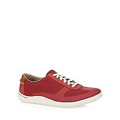 Clarks - Red 'Mapped Vibe' trainers