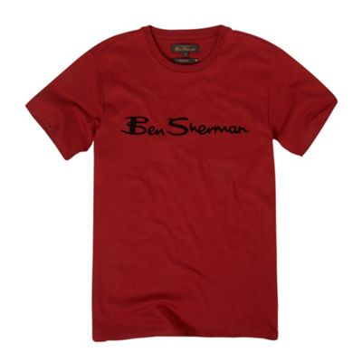 Red brand carrier t-shirt