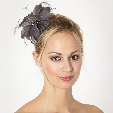 Debut - Dark grey feather flower clip