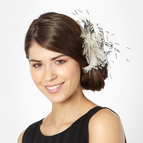 Principles by Ben de Lisi - Designer white feather corsage clip