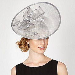 Debut - Silver saucer bow fascinator