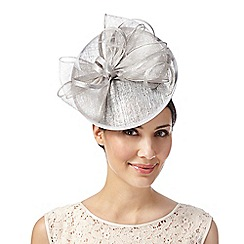 Debut - Silver metallic bow saucer fascinator