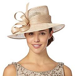 Hatbox - Natural asymmetric curl trim hat