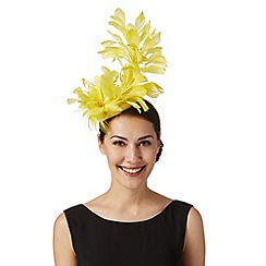 Star by Julien Macdonald - Designer yellow triple flower button fascinator