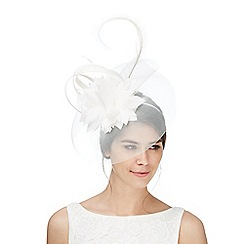 Principles by Ben de Lisi - White lily cloud fascinator
