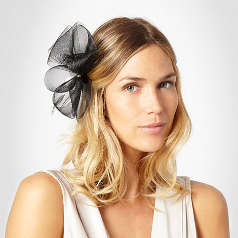 Debut - Black meshed flower clip