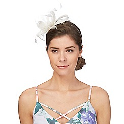 Principles by Ben de Lisi - White feather fascinator