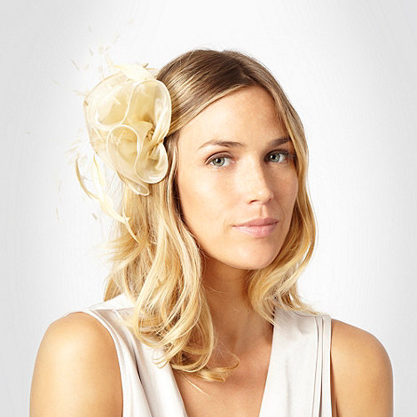 Hatbox - Gold ruffled fascinator
