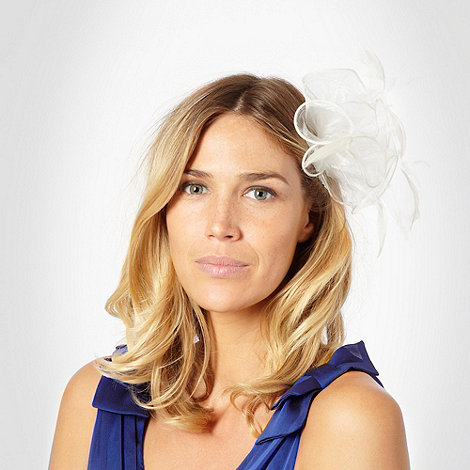 Hatbox - Ivory feather fascinator