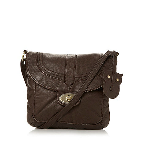 Mantaray - Chocolate owl stitch cross body bag