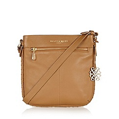 Bailey & Quinn - Tan 'Heligan' leather cross body bag