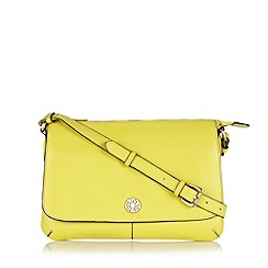 Mantaray - Lime leather cross body bag