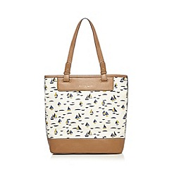 Bailey & Quinn - Cream sail boat tote bag