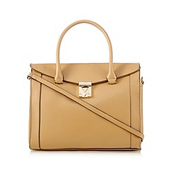 Valentino - Tan triangle grab bag