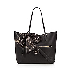 Call It Spring - Black 'Roccadipapa' winged tote bag with scarf