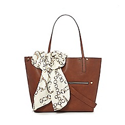 Call It Spring - Tan 'Roccadipapa' winged tote bag with scarf