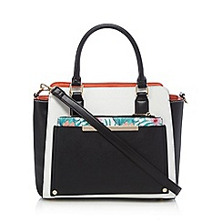 Call It Spring - White 'Elrodred' winged tote bag