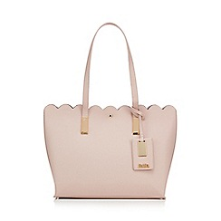 Faith - Light pink 'Elsie' scalloped edge grab bag