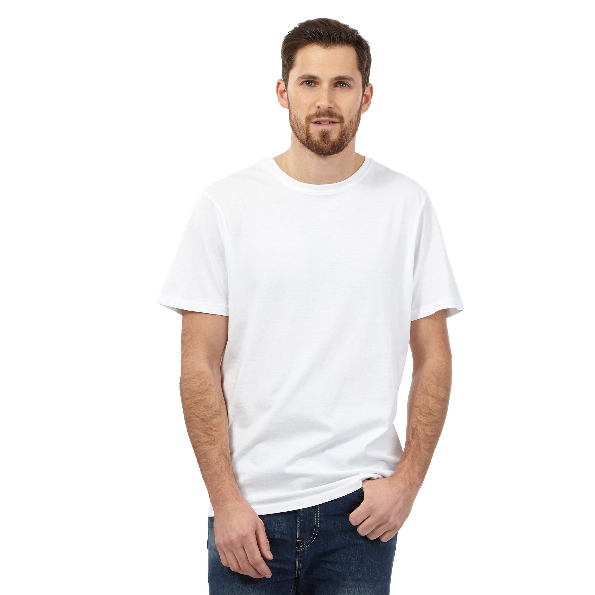 A white T-shirts is one of the most versatile pieces of clothing a guy can own. Whether as an base layer or on its own, it works in every year and for every style.