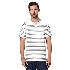 Maine New England - Big and tall off white striped short sleeved t-shirt