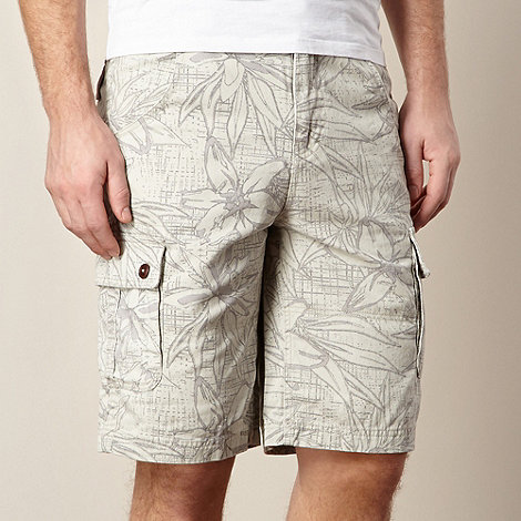 Mantaray - Stone floral outline print cargo shorts