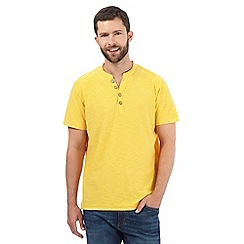 Mantaray - Big and tall yellow y-neck t-shirt