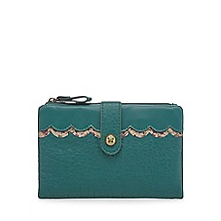 Mantaray - Dark green scalloped trim purse