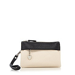 Red Herring - Ivory soft wristlet