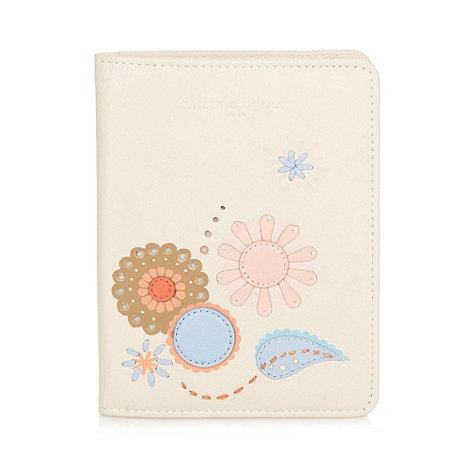 Bailey & Quinn - Cream +Camelia+ leather passport holder