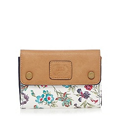 Mantaray - White floral medium flap over purse