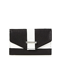 The Collection - Black leather bar front small purse