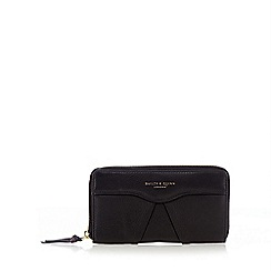 Bailey & Quinn - Black large pleat front zip around purse