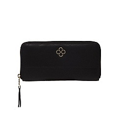 Bailey & Quinn - Black leather zip around purse