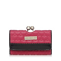 Floozie by Frost French - Dark pink quilted heart clip purse