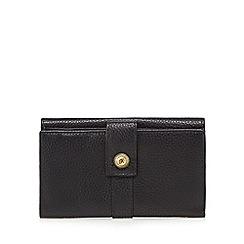 Mantaray - Black leather tab over large purse