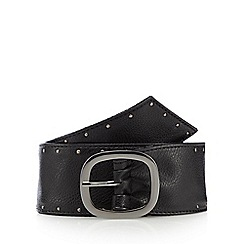 Mantaray - Black studded belt