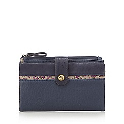 Mantaray - Navy floral trim purse