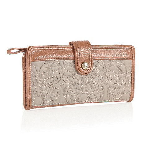 Mantaray - Taupe butterfly quilted purse