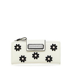 Floozie by Frost French - Cream monochrome daisy applique small purse