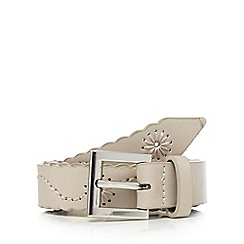 Mantaray - Grey floral embroidered scalloped belt
