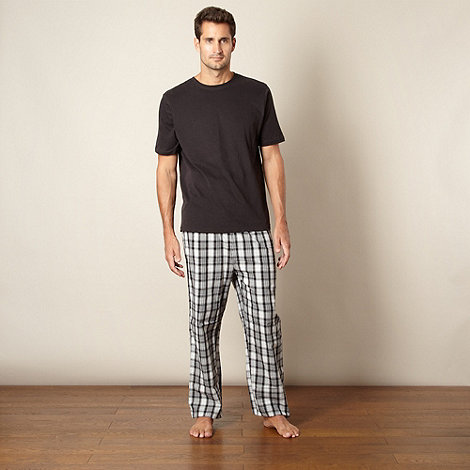Maine New England - Black plain t-shirt and checked bottoms loungewear set