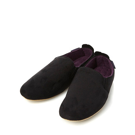 Totes - Black faux suede soled carpet slippers
