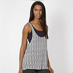 Pineapple - Light grey aztec print double layer vest