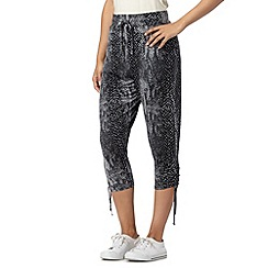 Pineapple - Grey snakeskin cropped leggings