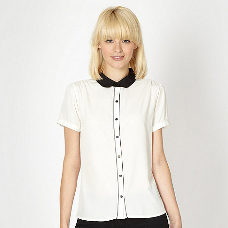 Red Herring - Black piped short sleeved blouse