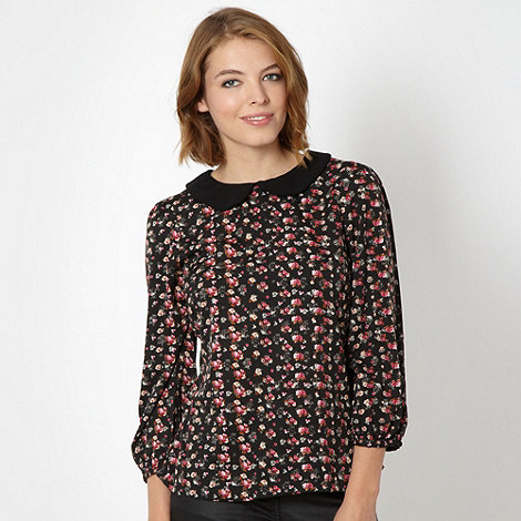 Red Herring - Black floral peter pan collar shell top