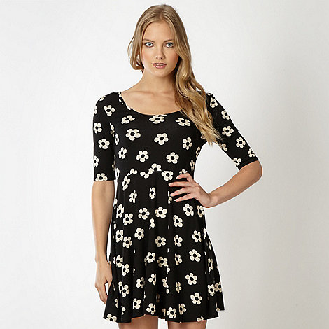 Red Herring - Black daisy print skater dress