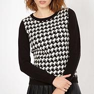 Black dogtooth front jumper