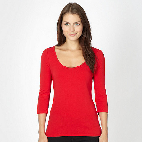 Red Herring - Red three quarter scoop top