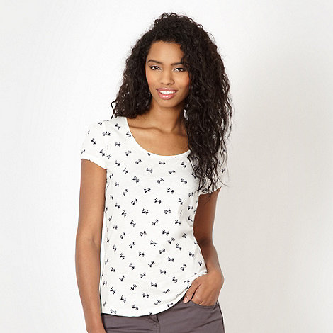 Red Herring - White bow patterned scoop neck t-shirt